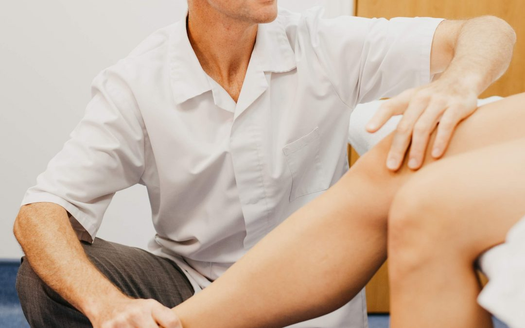 What can an osteopath do for knee pain?